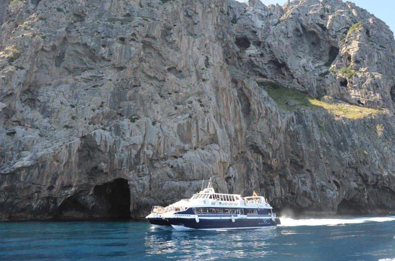 barco a Sa Calobra