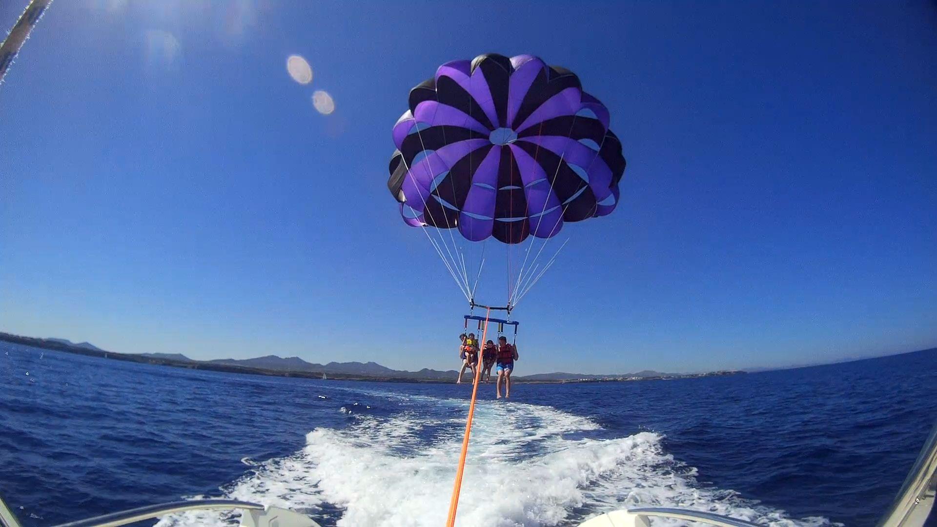 parasail en el aire