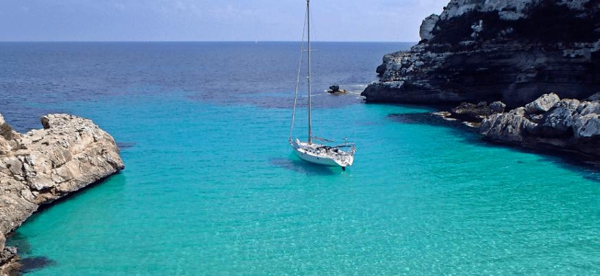 sailing tour to cala vella