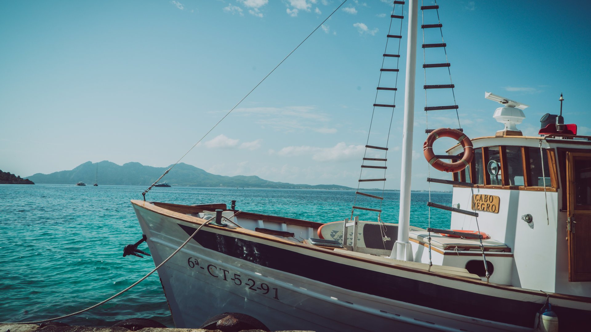 exclusive boat in Puerto Pollensa