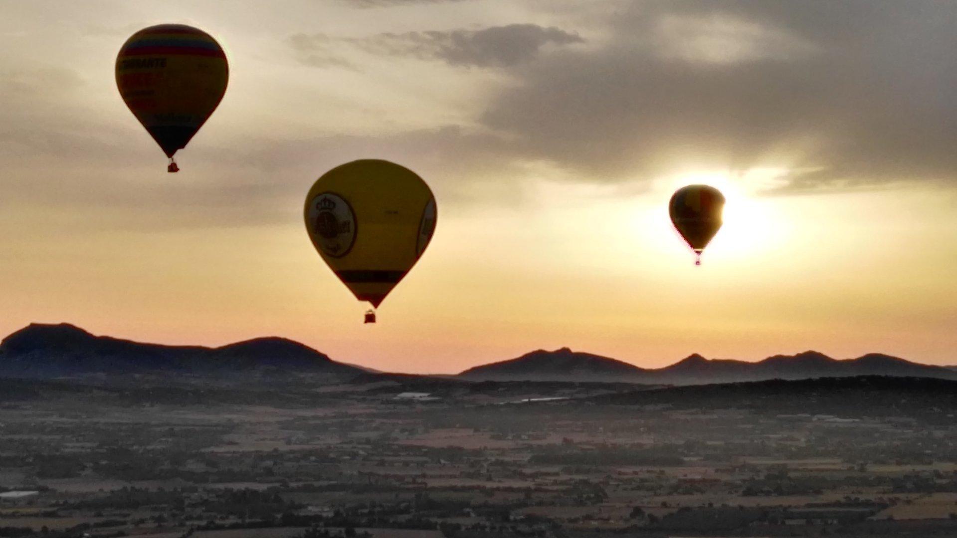 hot air balloons over mallorca